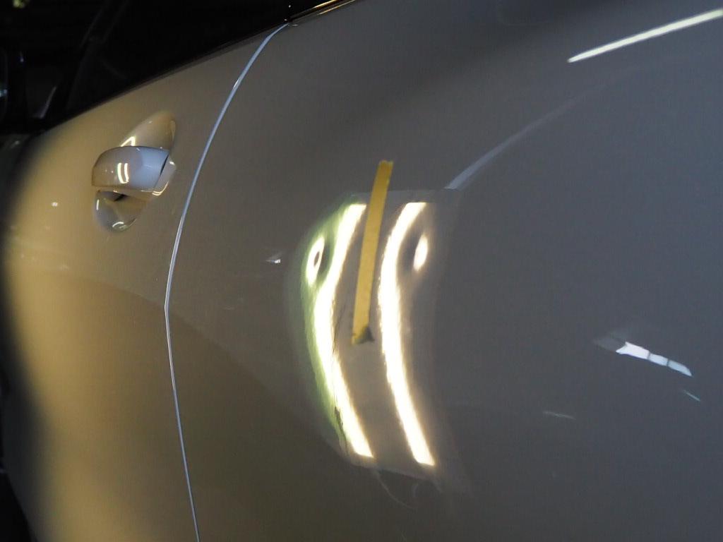 BMW 850デントリペア