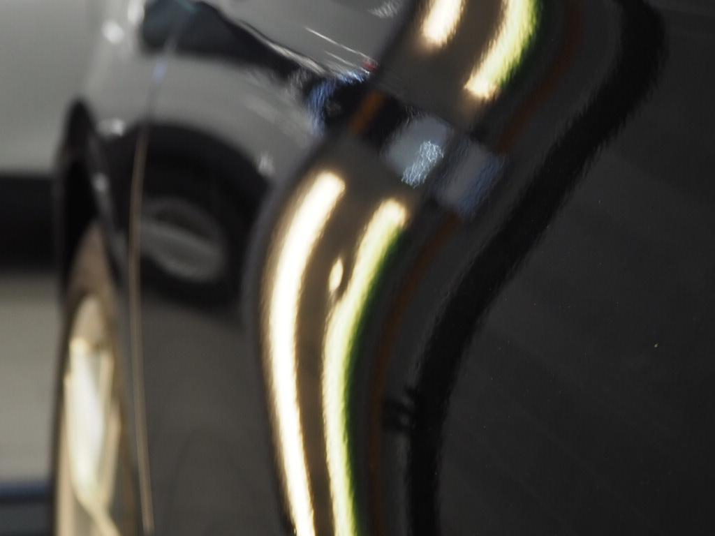BMWアクティブハイブリッド3 デントリペア